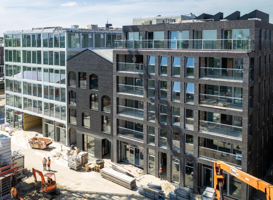 een van de projecten van JM Totaalafdichtingen is Amsterdam Stadswerf Oostenburg voor van wijnen